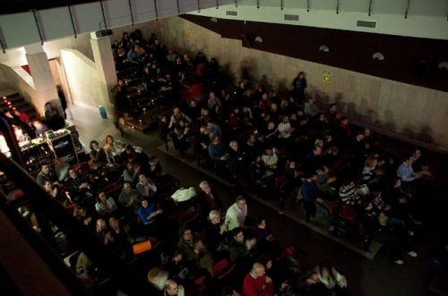 fpdc6-audience-and-people-2jpg-1194296144